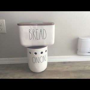 New Rae Dunn bread and onion canister